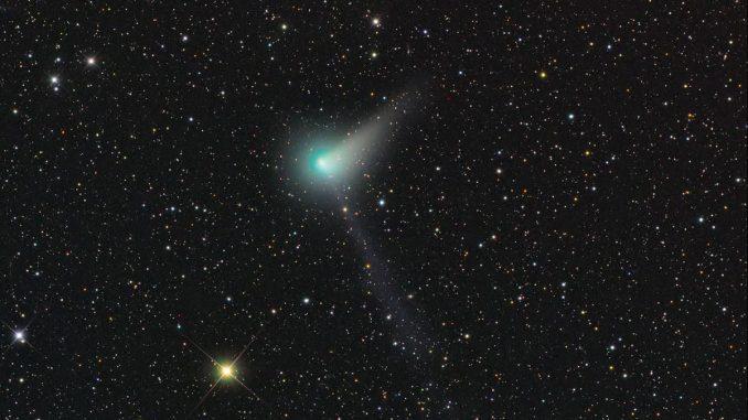 Comet C/2015 V2